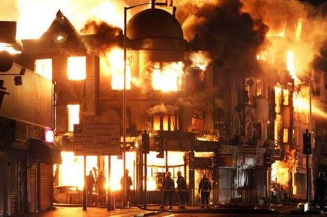 Rioting in Croydon, South London