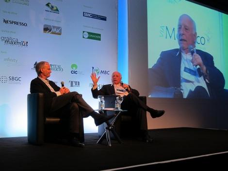 Mathias Mangels speaks with Dr. Jorge Gerdau Johannpeter